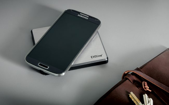 Schuller Kitchen Cardiff - Wireless Smart Phone Charger