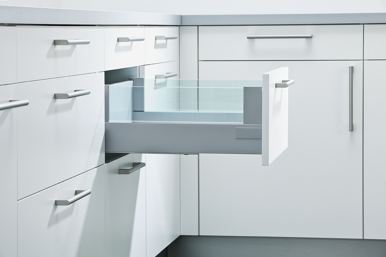 Pull-Out with 8mm Toughened Design Glass Boxside | Schuller by ...